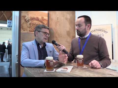 Werner Jaufenthaler di Veltins Italia presenta la non filtrata Grevensteiner a Beer Attraction 2017