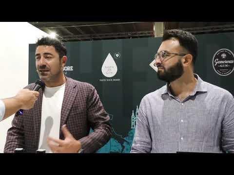 Vincenzo Russo e Flavio Esposito di Bespoke Distilley / Aqva di Gin stand OnestiGroup al theGINday