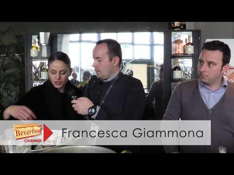 Francesca Giammona e Luca Angeli presentano i liquori liguri di Essentiae