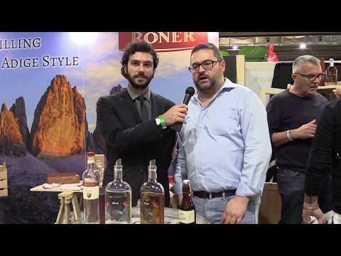 Juergen Werth di Roner distillerie presenta i Rum distillati in Alto Adige al the RUM Day