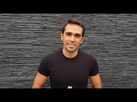 Alberto Contador saluta i partecipanti della Granfondo Zenato
