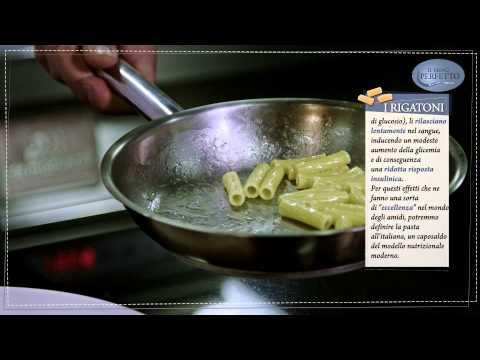 Il menù perfetto // Rigatoni con pesto alle noci, basilico e alici