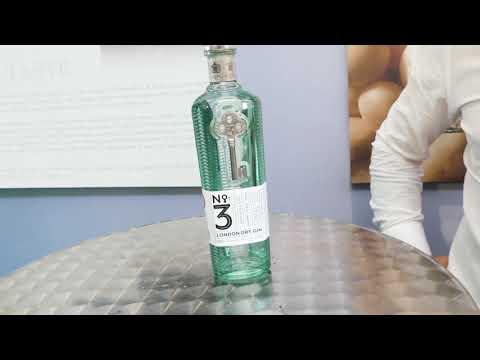 Pasquale Damiano di Pallini SpA presenta la nuova bottiglia di No.3 gin al Roma Bar Show