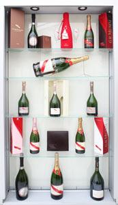 P.E. Labellers etichetta lo champagne dei sovrani