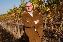 L'industriale Giuseppe Peretti, già proprietario della tenuta Rocchetto nel Chianti  DOCG,  acquista ora a Montalcino l'Azienda Agricola Ridolfi