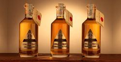 """La  Distilleria  Nannoni  presenta """"La  Saggezza  Del  Maestro"""", una Grappa Gran Riserva, invecchiata 7 anni e confezionata in bottiglie di cristallo artigianali lavorate"""
