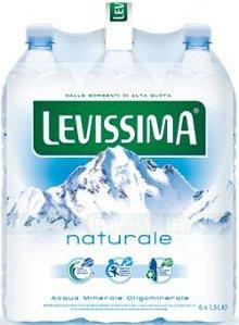 LEVISSIMA presenta il nuovo volto della purezza con un nuovo look delle bottiglie