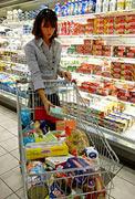 Commercio: le vendite alimentari restano ferme. Ora si spera nel Natale