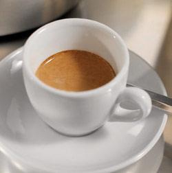 Il caffè, anche quello decaffeinato, protegge  contro il cancro alla bocca