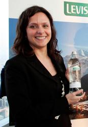 LEVISSIMA lancia la nuova bottiglia in vetro VALTELLINA dedicata alla ristorazione