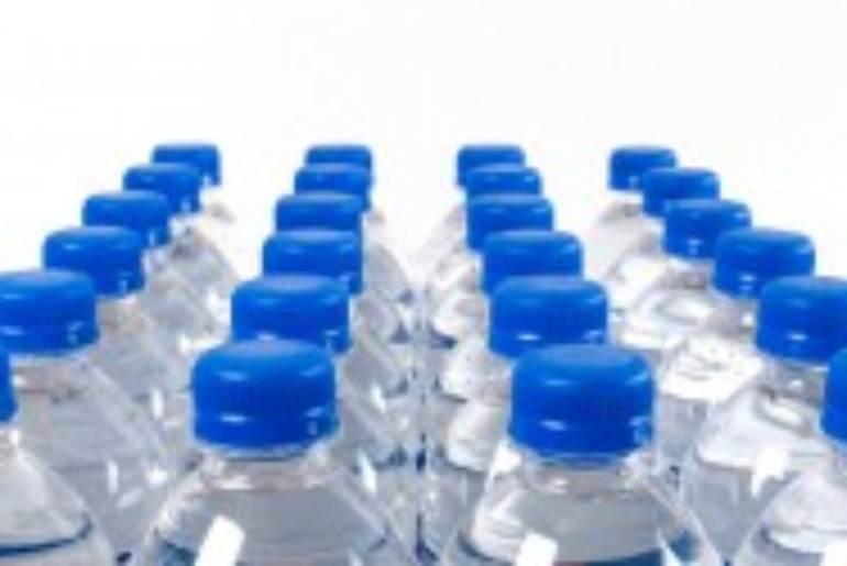 acqua-bottiglie-plastica-730x365