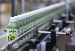 STARBUCKS espande il business Evolution Fresh Juice aprendo una mega-fabbrica di succhi in California