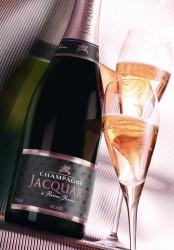 JACQUART dedica il suo champagne rosé a SAN  VALENTINO