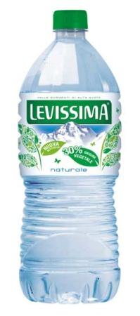 LEVISSIMA lancia LALITRO in PET di origine vegetale e 100% riciclabile