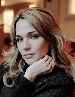 Laura Chiatti è il nuovo volto femminile di Acqua ROCCHETTA