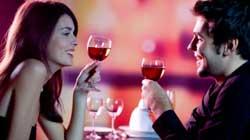 Sondaggio Vinitaly-Winenews sulla SCELTA DI UN VINO: parsimoniosa e attenta lei, meno oculato al ristorante lui