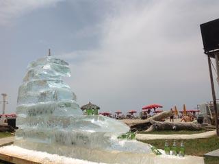 Arriva a Maccarese onda di ghiaccio gigante della PERONI CHILL LEMON