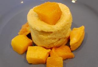 Al Flagship Store Enel di Milano degustazione di gelati peruviani con gusti tropicali