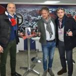Da sinistra Mario Passetti direttore marketing Cagliari Calcio, Pier Giorgio Missiroli Beverage Manager Conserve Italia e Antonio Bisanti responsabile commerciale GSport per Cagliari Calcio.