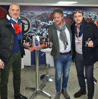 Speciale bottiglia bar dei succhi DERBY BLUE per la squadra di calcio Cagliari