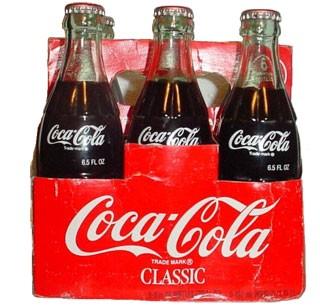 COCA-COLA lancia una campagna culturale per celebrare il centenario della bottiglia icona