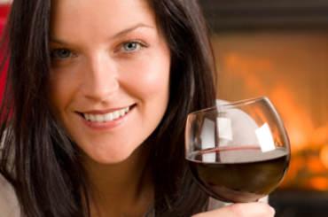 Giovane-donna-vino