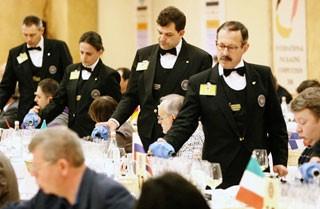Record di Paesi al CONCORSO ENOLOGICO INTERNAZIONALE – In palio 64 medaglie per 3.000 campioni di vino analizzati