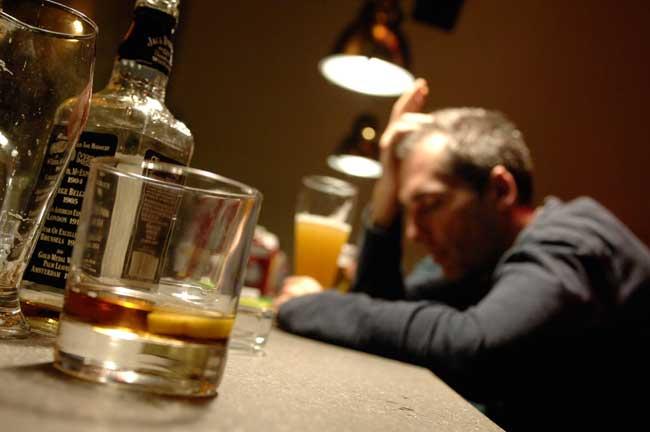 ABUSO-ALCOL-FEGATO