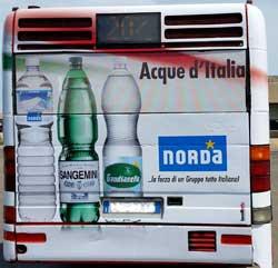 """Pubblicità dinamica del GRUPPO NORDA: Le """"Acque d'Italia"""" viaggiano in Bus"""