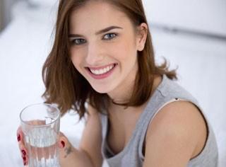 ACQUA & SALUTE: Chi beve poca acqua è più irritabile