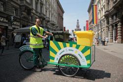 GRUPPO SANPELLEGRINO assicura la raccolta differenziata 'fuori casa' nel centro di Milano con le Cargo Bike di Levissima