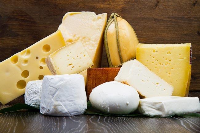 formaggi-formaggio-vari-tipi