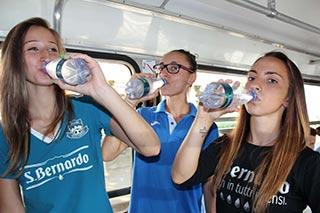 L'acqua SAN BERNARDO a sostegno del calcio femminile con la San Bernardo Luserna CF