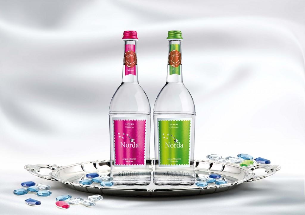 INTERNO-LUXURY-bottiglia-alta-ristorazione-acqua-minerale-norda-luxory