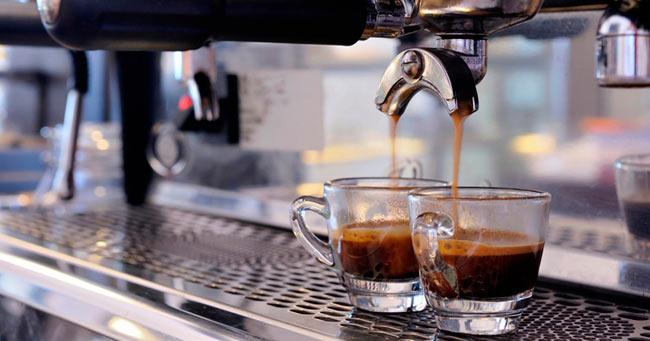 caffe-bar-macchina-caffè