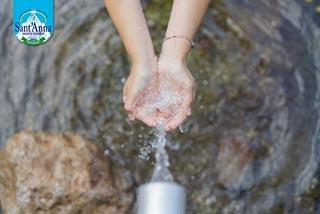 Con acqua SANT'ANNA il bicchiere è sempre mezzo pieno!