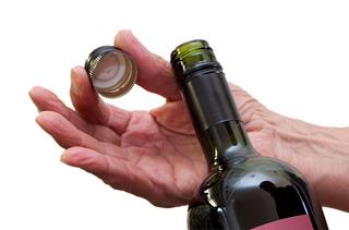 EAFA: mercato in crescita per le chiusure a vite in alluminio per il vino in Italia