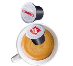 UNO Capsule System del Gruppo Indesit lancia la nuova macchina da caffè espresso HOTPOINT by Giugiaro Design