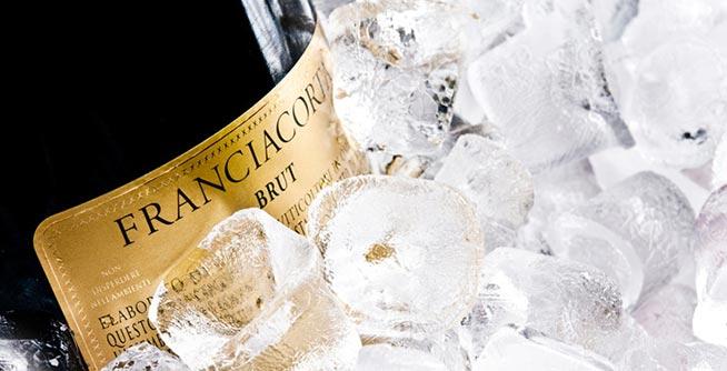 franciacorta-bottiglia-e-ghiaccio