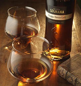 La grappa Segnana Sherry Cask trionfa agli Oscar del Vino