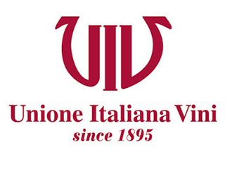 """OSSERVATORIO DEL VINO: """"Cantine e vigneti, consumi e mercati: 50 anni di storia del vino italiano"""""""