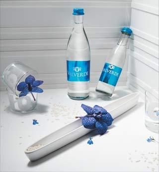 ACQUA VALVERDE al Fuorisalone della Milano Design Week con le bottiglie Special Edition NABA