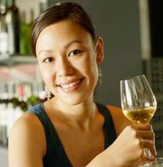 Affezionati Vino Cinesi Consumatori Giovani Business Strategies Ricchi Studi E Ricerche Pagare Millennials Disposti Indagine Wine Monitor Assaggiatori Vino