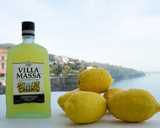 VILLA MASSA festeggia il 25mo lanciando una nuova bottiglia per il suo Limoncello