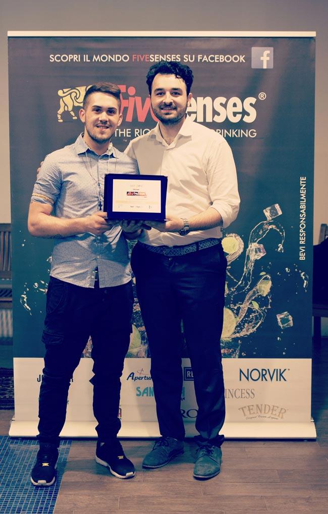 Il vincitore Francesco Tommasino di MixFactor di Francesco Tommasino con Flavio Esposito Barchef di Boutique 12