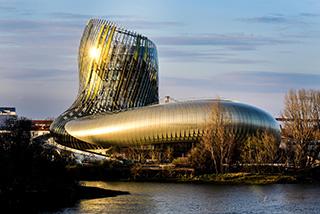 Inaugurata a Bordeaux la CITE' DU VIN, il nuovo monumentale tempio della cultura del vino