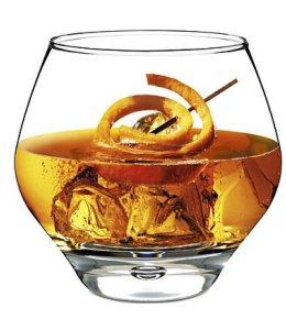CONSUMI DI SUPERALCOLICI in Italia: si beve meno ma si beve meglio