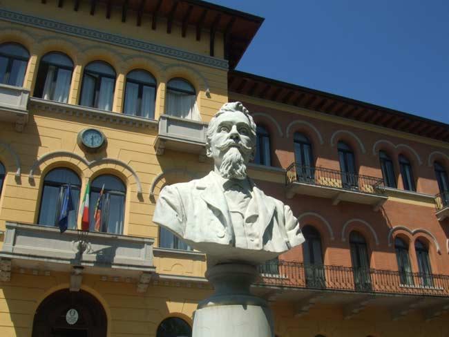 Busto-Antonio-Carpene-a-Conegliano