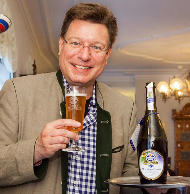 Georg Schneider V e una delle birre che riportano in etichetta i suo quadri