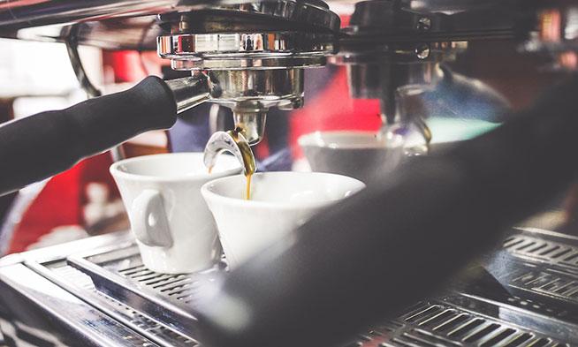 host-espresso-machine-making-coffee-in-bar-picjumbo-com